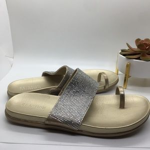 Kenneth Cole Reaction Shoes - 🎁🎁Kenneth Cole Reaction Gold sandals